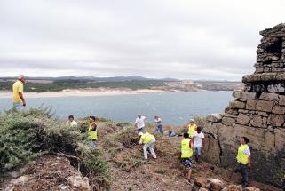Limpeza da Ilha do Pessegueiro 2014