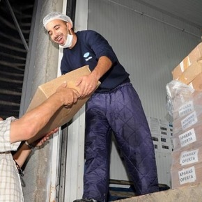Empresa Maredeus oferece bacalhau a instituições deSantiago
