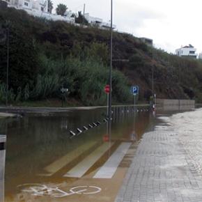 Chuva forte provoca inundações emSines