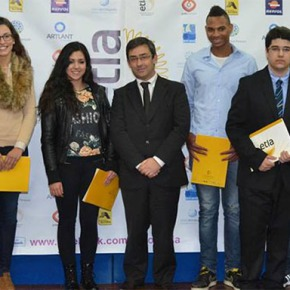 ETLA entregou diplomas a 45 alunos que concluíram três anos de formação comsucesso