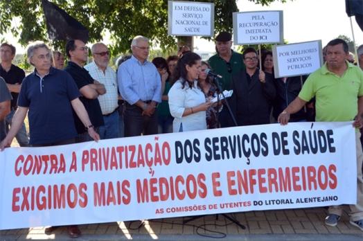 Protesto pelos serviços de Saúde  Foto: CMSC 