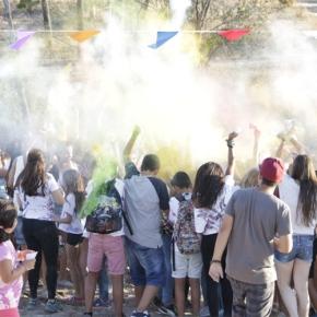 Jovens+música+arte+diversão = Festival dasCores