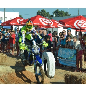 Motocross: Gonçalo Reis vence prova em Vila Nova de SantoAndré