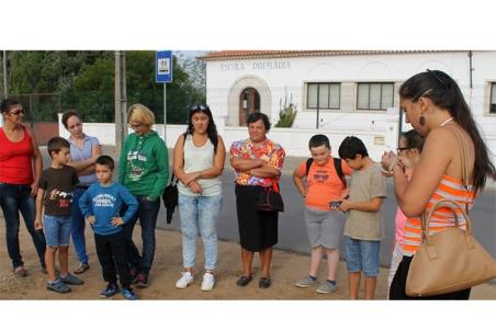 Dezasseis alunos da Escola Básica de Relvas Verdes vão permanecer em casa a aguardar que o Ministério da Educação coloque uma 'tarefeira' no estabelecimento de ensino |Foto: Helga Nobre|