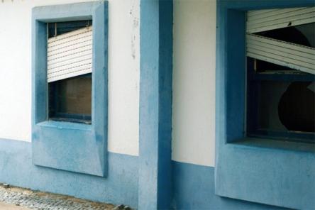 O IHRU está a arrendar a associações sem fins lucrativos os edifícios do Bairro Azul que estavam abandonados |Foto: Mário Afonso|
