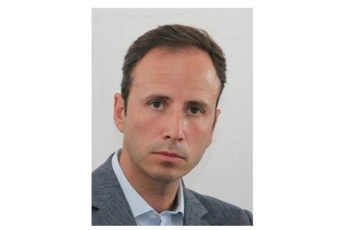 Advogado de profissão, Pedro do Ó Ramos, foi eleito aos 19 anos, membro da Assembleia Municipal de Santiago do Cacém e, mais tarde, vereador do PSD.