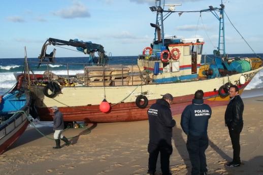 A embarcação 'Jonas David', com registo no porto de Sines, opera na zona de Setúbal |Foto: Helga Nobre|