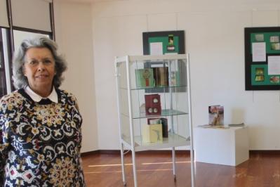 Graça Lagrifa expôs  'A Pele dos Livros' na Biblioteca Municipal de Santiago do Cacém  Foto: Helga Nobre 