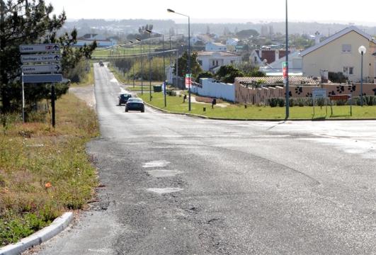 A Câmara de Santiago do Cacém investe na requalificação de um troço de cerca de três quilómetros da estrada que liga duas cidades do concelho |Foto: CMSC|