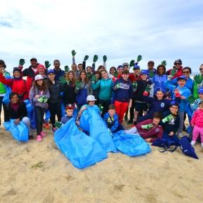 Três toneladas de lixo recolhidas da praia da Costa doNorte