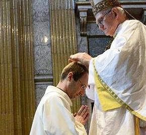 Jesuítas ordenam 4 Padres emPortugal