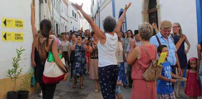 Nos dias 13 e 14 de agosto as ruas do Comércio e da Igreja, na aldeia de São Luís, estão em festa, com arte popular, urbana, erudita e experimental