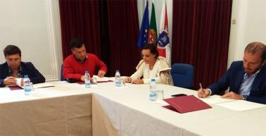 A coordenadora interconcelhia, Elsa Conde defendeu, na assinatura do acordo, que é necessário trabalhar em conjunto com outras entidades e que a rede vai alargar horizontes  Foto: Helga Nobre 