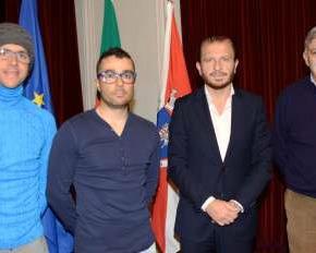 Contrato-programa celebrado com dois atletas de altacompetição