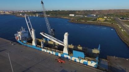 Novo equipamento reforça capacidade de movimentar carga no terminal multipurpose do Porto de Sines