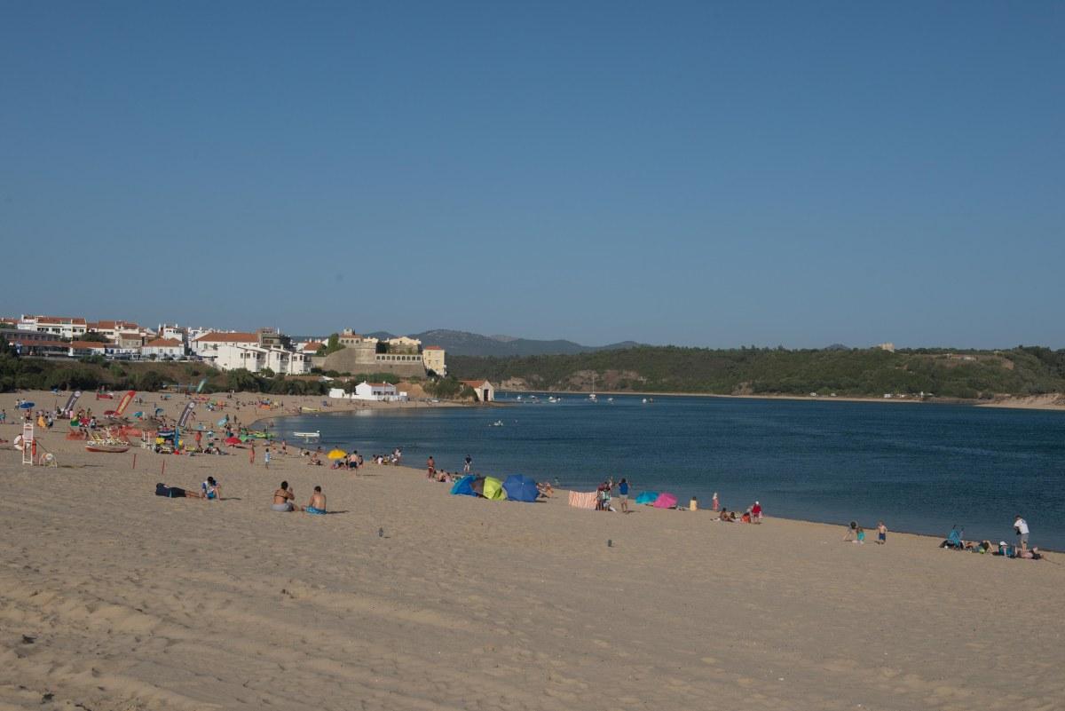 Reposição de areias na praia da Franquia concluída