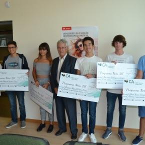 """Seis jovens premiados no """"Programa CA Nota20"""""""