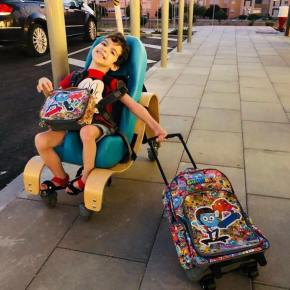 Falta de tarefeira impede criança com necessidades especiais de frequentar aescola