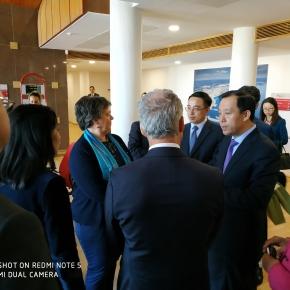 """Ministro dos Recursos Naturais da China """"interessado"""" no porto deSines"""