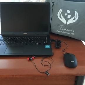 Fundação Caixa Agrícola Costa Azul entrega 160 kits informáticos para o ensino àdistância