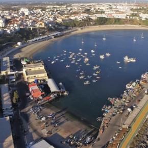 Secretária de Estado das Pescas realça importância do novo edifício de apoio à pesca do cerco emSines